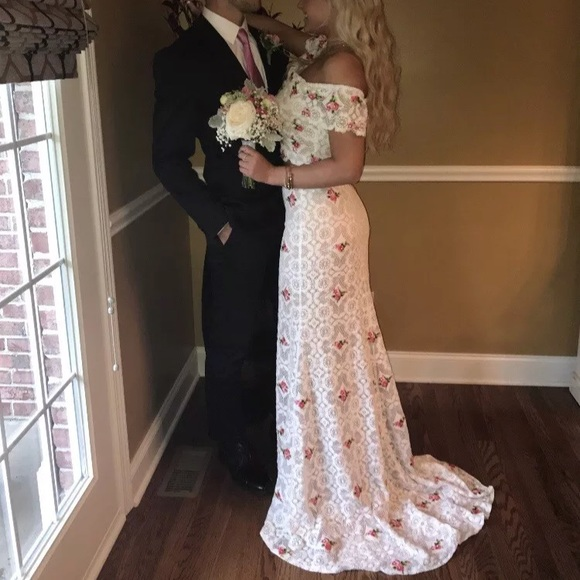 00bc5681bee Sherri Hill Prom Dress Size 4 Style 50785 Ivory. M 5a99951e9d20f07d78197986